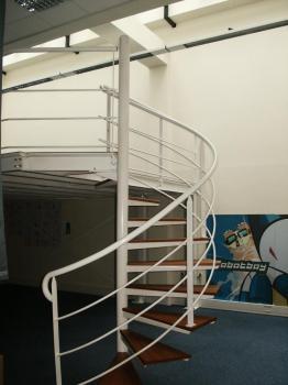 escalier-tournant-ile-dr-france-1.jpg