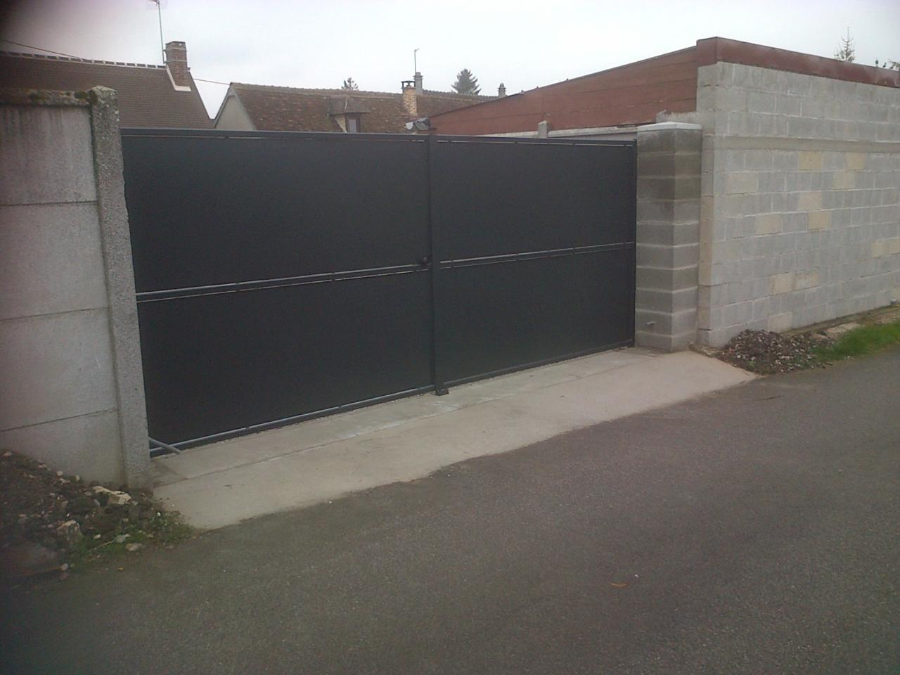 portail et portillon sur mesure oise et ile de france. Black Bedroom Furniture Sets. Home Design Ideas