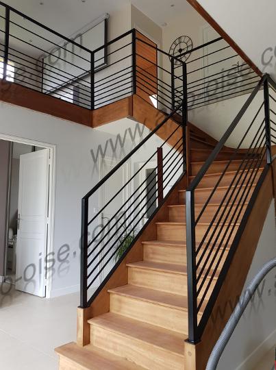 Escalier mélange bois et acier